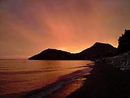 Pohled na zapadající slunce v Černé Hoře