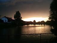 Letní bouře při západu slunce
