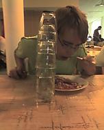 Šikmá věž v jídelně