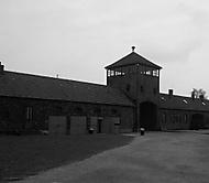 Auswitz-Birkenau(Vstupní brána)