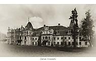 Zanedbaný zámek Krowiarki (Polsko)