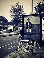 O klukovi z plakátu