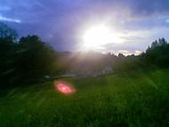 Slunce nad kopcem