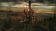 Kříž při západu na Svarohu