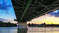 pod Starým mostom...