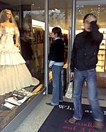 Svatební šaty za půl milionu? To myslíš vážně? Copak jsem Rotschild?
