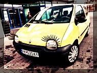 Twingo na ceste od kozmetičky :)