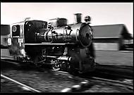 Stara lokomotiva v pohybe..