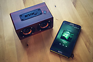 Retro Bluetooth Speaker (Grimjaur) - Apple iPad Air 64GB Wi-Fi