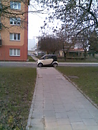 Blbec parkuje