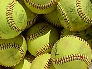 Baseballové míčky.