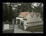Využití prostoru aneb služebna z hrobky...