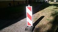 Značka na chodníku