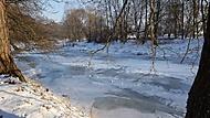 Zamrzlá řeka Otava v Horažďovicích