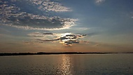 Vodní dílo Gabčíkovo - západ slunce
