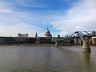 St Paul's Cathedral a Millennium Bridge...