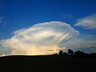 mrak co vypadá jak ufo:D