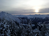 Alpské hřebeny při západu slunce