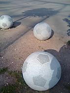 míč z mramoru parkovací zábrana