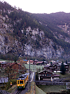 Vlak sjizdi do udoli