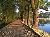 Nová cesta kolem rybníku