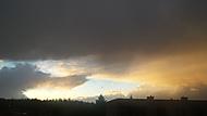 v dáli se bouří :)