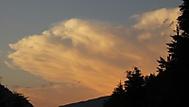 Mraky nad Hřenskem z okna našeho baráčku (směr od Děčína)