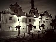 Radnice v letní noci
