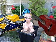 Motorkář u vody