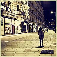 Krásnější ulici navečer nenajdete nikde jinde, než tady:)